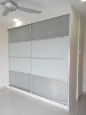 Lora Kitchen - Wardrobe